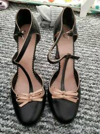 Lovely shoes size 8