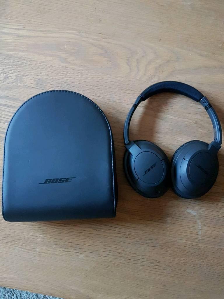 Bose Soundtrue II Over Ear Headphones