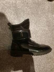 Girls size 9 lellykelly boots