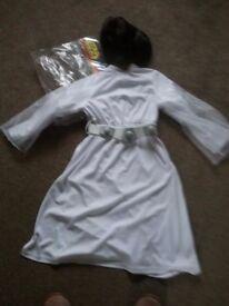 Princess Leah dressing up outfit