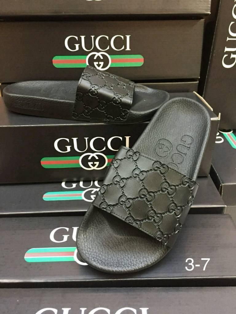 3aefffcea444 BNIB mens Gucci Sliders
