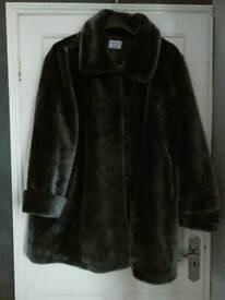 Faux fur coat,gray, size 24/28