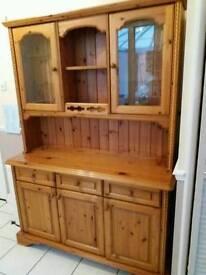 Ductal pine dresser