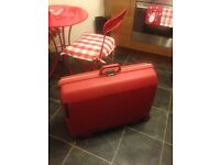 Samsonite large red suitcase, with 2 wheels and handle