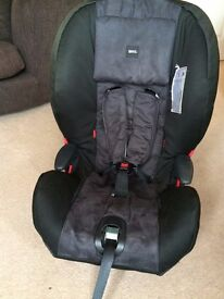 Brio Zento car seat, child seat in black with 3 point harness - excellent condition