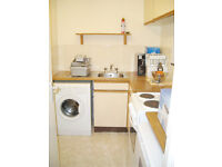 Fully-furnished ground floor flat in quiet residential street in Rotherhithe