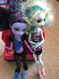 Monster high dolls and set