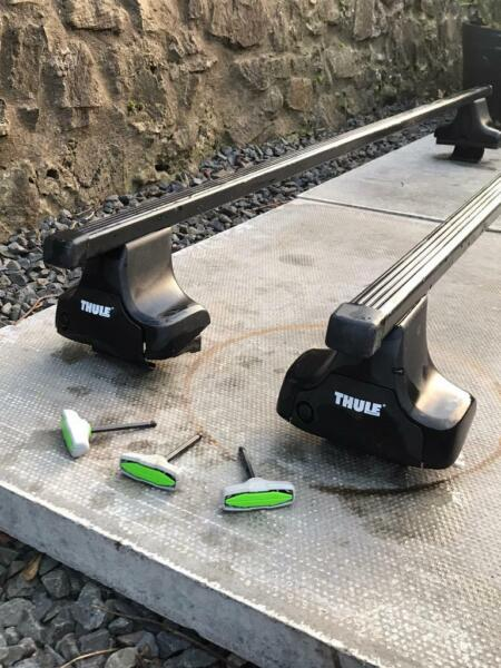 Thule roof bars to fit a Land Rover Freelander 2.  for sale  Cupar, Fife