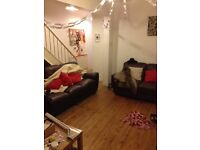 Student room to let in shared house. Double bed and house is excellent throughout