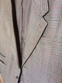 Man's check jacket size 42R