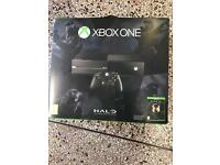 Xbox one 500gb console boxed all leads and control pad