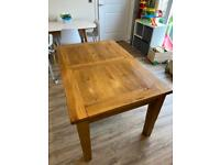 Barker and Stonehouse Oak extendable dining table and 6 chairs