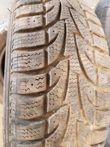 4 pneus d'hiver 185/65R14 Sailun Ice Blazer WST1. 40% d'usure, mesure 7-7-9-9/32.