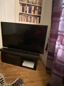 55 inch 4K UHD Samsung TV, tv stand and backlighting - excellent condition