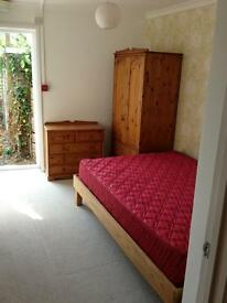 Lovely one bedroom flat/annex in East Wittering, PO20 available end Jan - mid Apr 2017 £700 a month