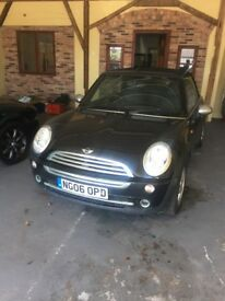 MINI One Convertible with full black leather interior and chrome pack 1.6 (cat c minor body damage)