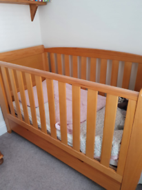 Sleigh Style Child's Cot bed