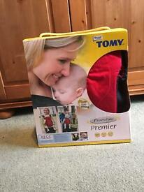 TOMY freestyle premier red/black baby carrier