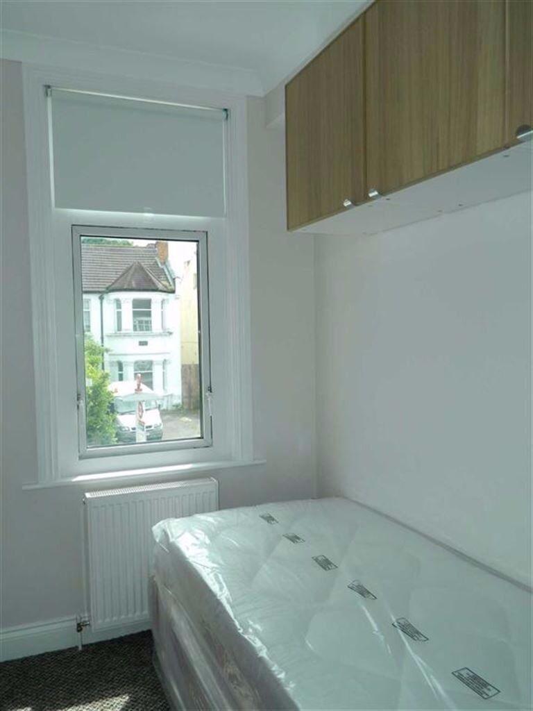 Studio flat with en suite with all bills included in Harrow