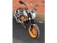 Ktm 390 duke AS NEW CONDITION ONLY 700 miles.