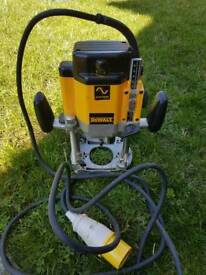 Dewalt router 110v (full size)
