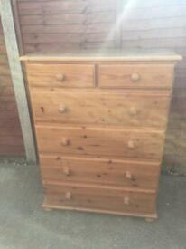 Antique pine chest of drawers £125