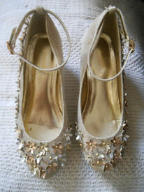 Childrens Monsoon Gorgeous, Gold, cha-cha shoes, size UK 2. Excellent condition,smoke-free home.