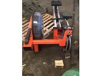 Shokk fluid rower machine