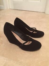 New Look ladies black wedge heel suede shoes with buckle strap Size 5