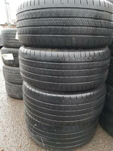 225/50/17 Goodyear Eagle LS. Run flat.  Ete