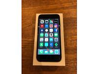 Mint Condition - Unlocked - iPhone 7 - 256GB & Apple Leather Case