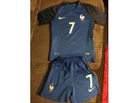 Boys France football kit age 10-12