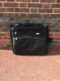 Large Samsonite Travel Shoulder Bag in Black