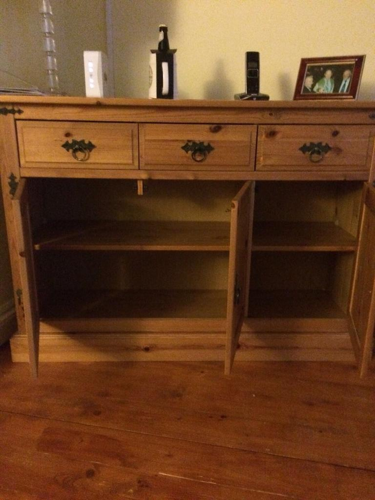 Cabinet (pine) 3 drawers / excellent condition