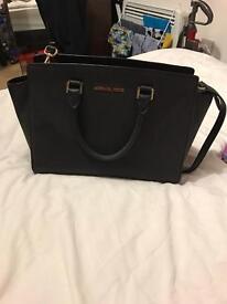 Michael Kors Large Selma Tote Handbag