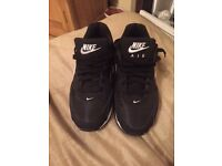 Nike air trainers size 5