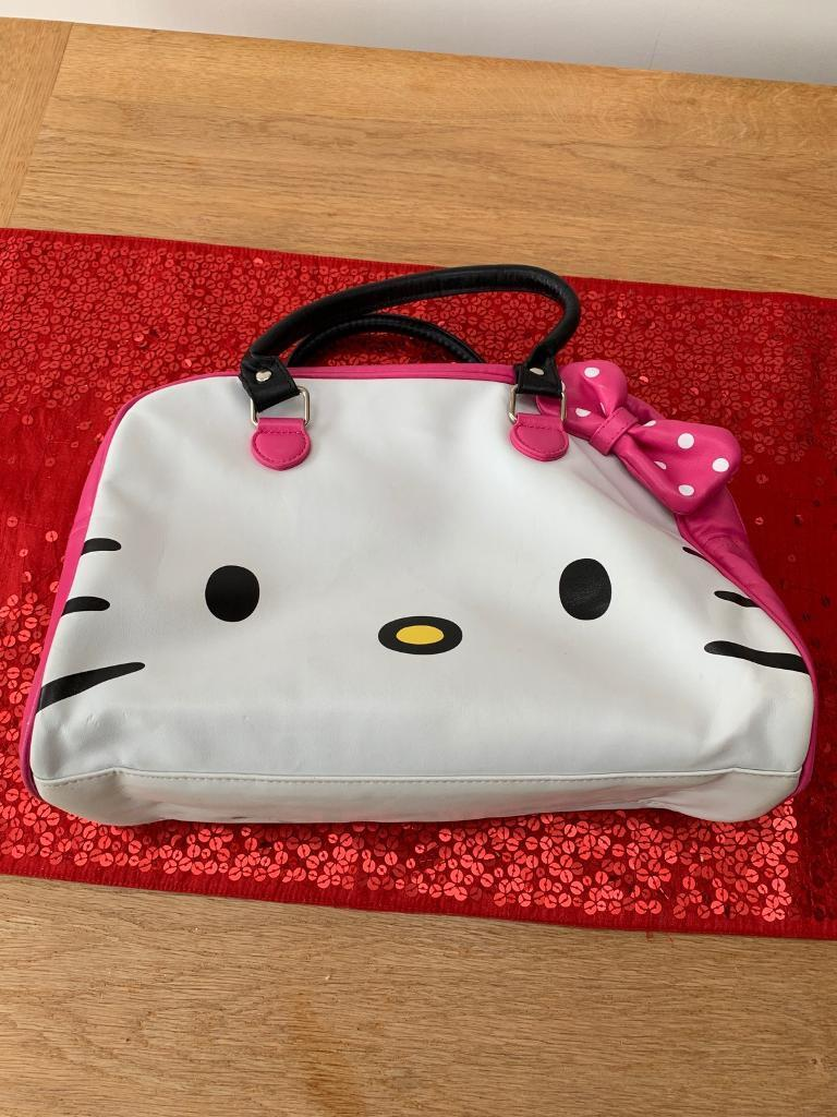 9a8ae2623130 Hello Kitty childs travel bag (good for gym or ballet kit)