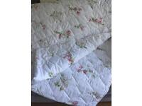 Quilted double throw