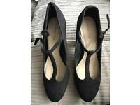 Red herring shoes Size 7