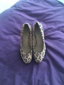 Dorothy Perkins size 4 leopard print heels
