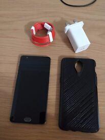 Oneplus 3 64GB unlocked with Ottorbox case