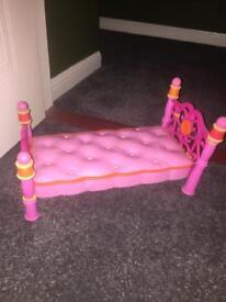 Doll Lala loopsy bed