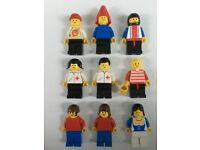 Vintage Lego figures - miscellaneous including 2 x doctors. 8 in total.