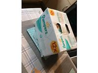 Pampers wipes x12