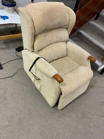 Electric riser, recliner chair, armchair adjustable(free delivery 🚚🚚🚚)