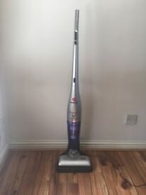 Cordless upright hoover