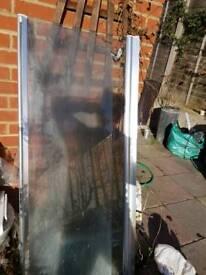 Bath folding door