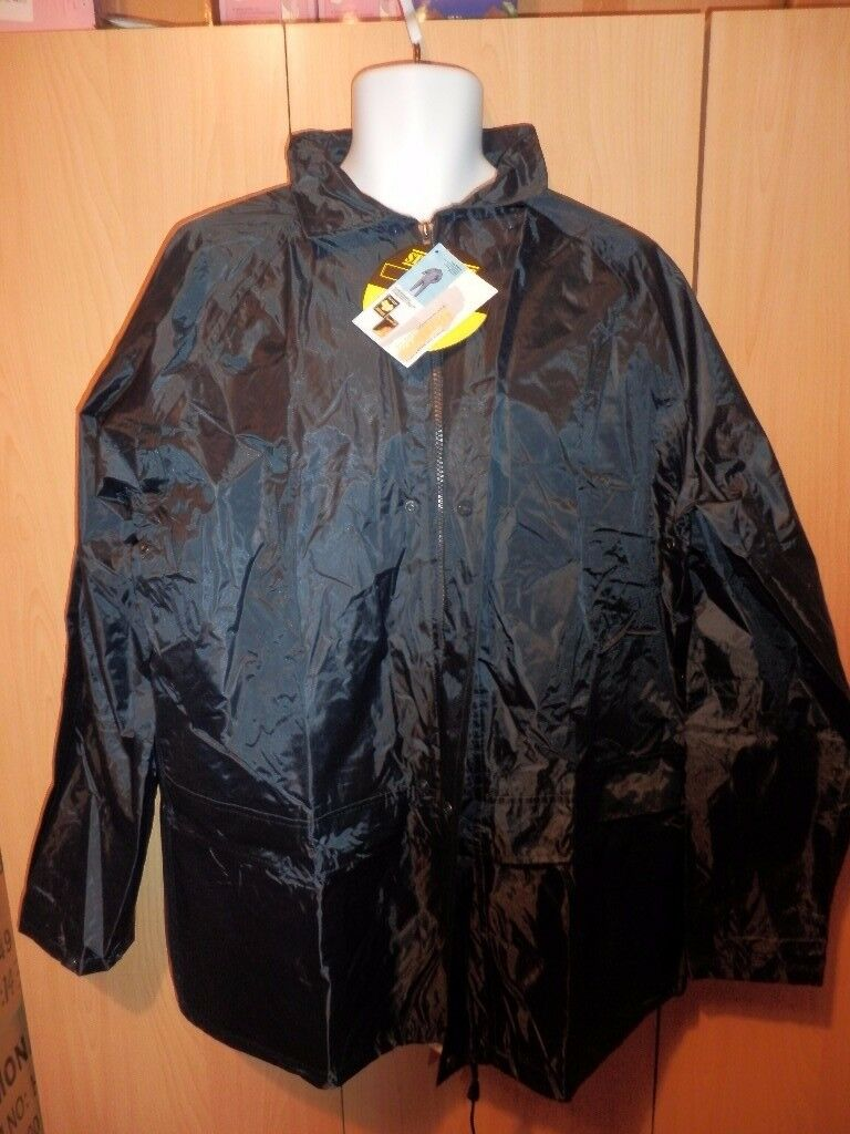 Lot 2 - Mixed Gents/Boys Casual Clothing including Rain-wear - 25 Items