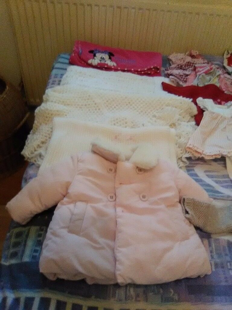 Selection of baby girls clothes bundle few 0=3 mainly3=6 mths.