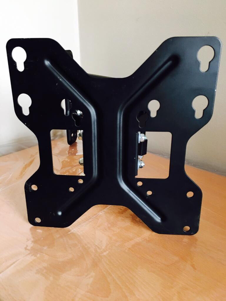 Quality slimline profile TV wall bracket,turns&tilts,suitable for TVs upto 65 inch,bargain at £45